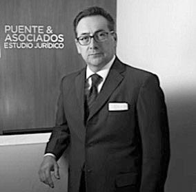 Héctor Olivo abogado Puente & Asociados